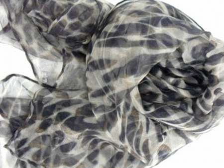foulard pull and bear homme foulard satin de soie pas cher. Black Bedroom Furniture Sets. Home Design Ideas
